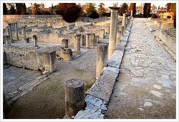 Le clos des vignes g tes en provence la r gion de haut - Hotel vaison la romaine piscine ...